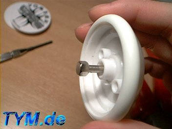 take the old axle out of the yoyo